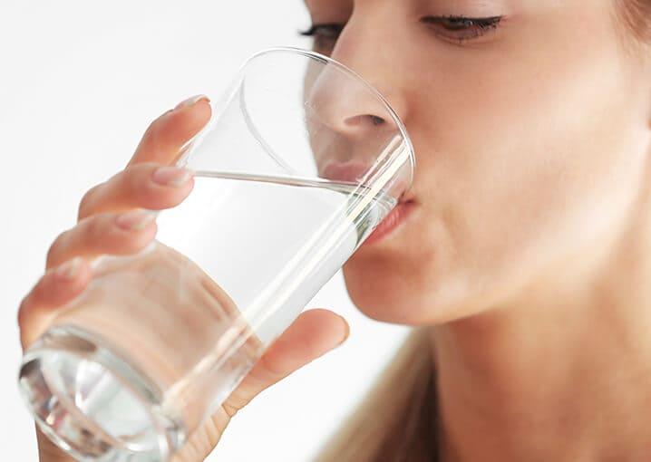 haut-haare-naegel-beauty-kur-nahrungsergaenzungsmittel-schaebens-vitamine-zink-kupfer-coenzym-Q10-hyaluronsaeure-natuerliche-schoenheit-hochwertige-aufbaustoffe-anwendung