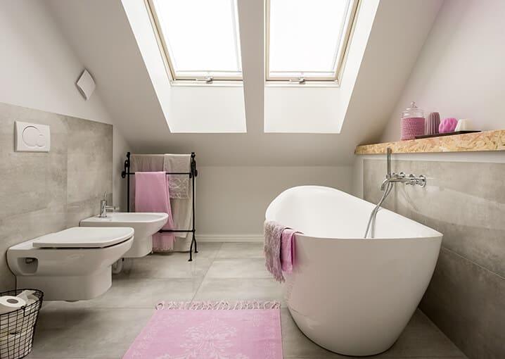 badezimmer-bad-badewanne-pink-beige-schaebens-gesichtspflege-gesichtsmaske