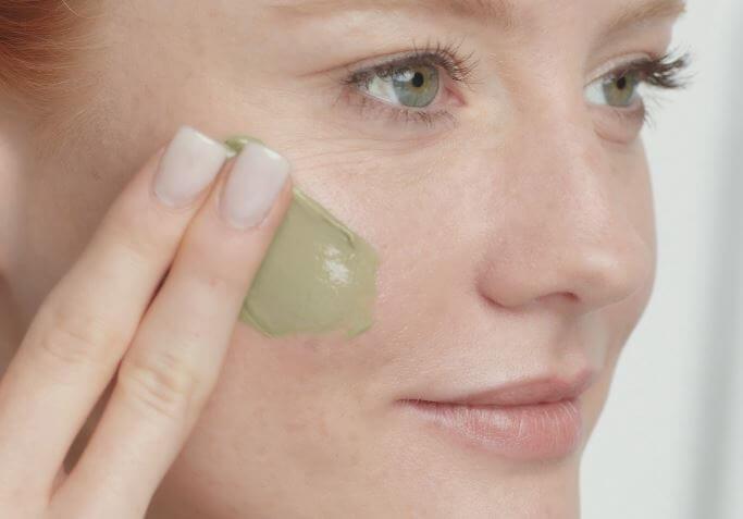 Matcha Gesichtsmaske auf Barbara Meier