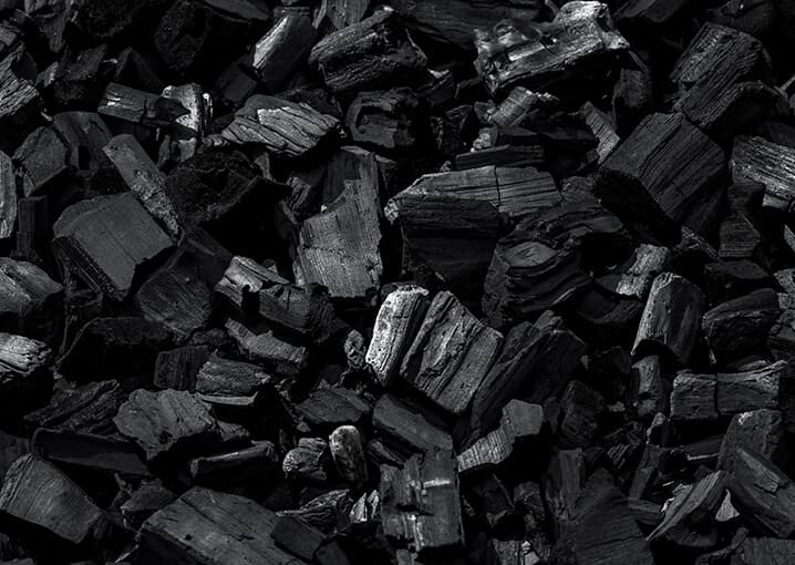 aktivkohle-schwarz-inhalt-inhaltsstoff-kohle