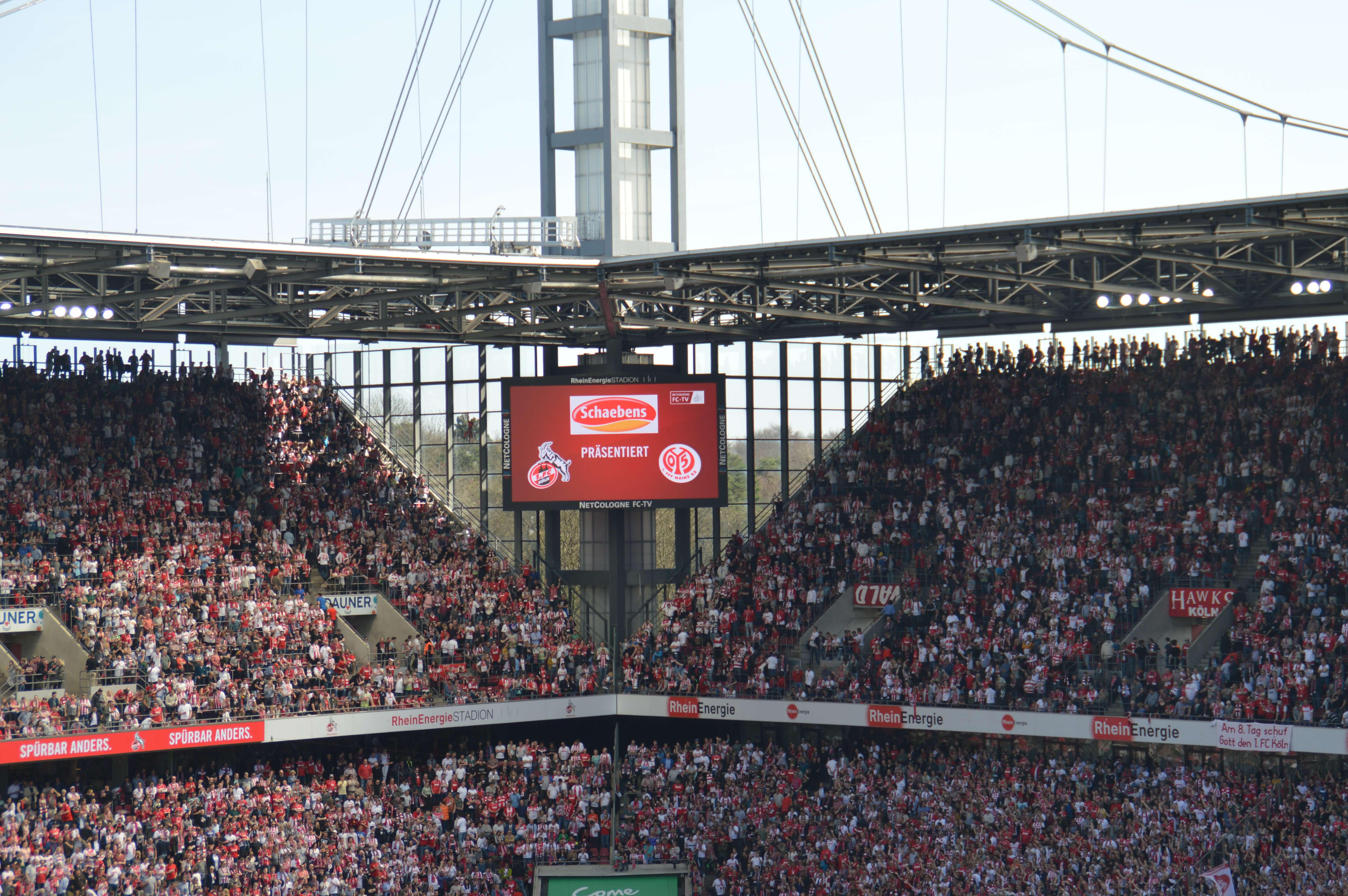 fc-rheinenergiestadion-frauenfußball-schaebens-partner des tages-sponsoring-fc trikot