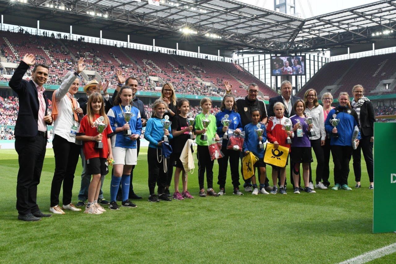 dfb pokalfinale frauen-rheinenergiestadion-dfb pokal-fc-schaebens-fanfest