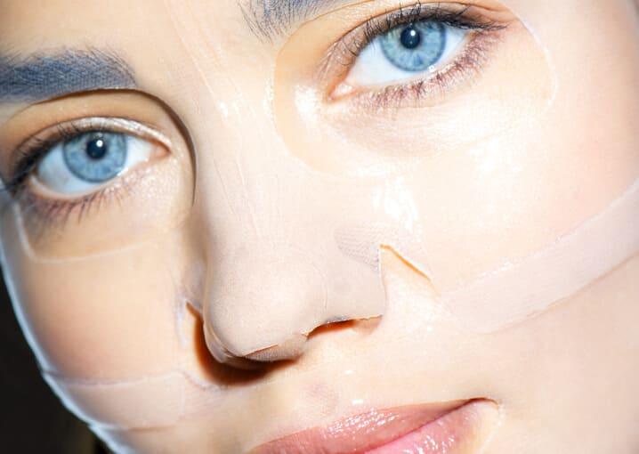 hyaluron-hydrogel-maske-gesichtspflege-pflege-gesichtsmaske-schaebens-blau-hyaluronsäure-algenextrakt-urea-feuchtigkeit-aufpolsternd-sofort-effekt-soforthilfe-anwendung