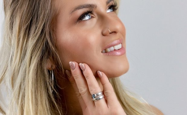 nela-beautytipps-glitter&glow-skin-makeup