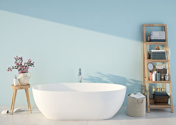 badezimmer-bad-badewanne-blau-hellblau