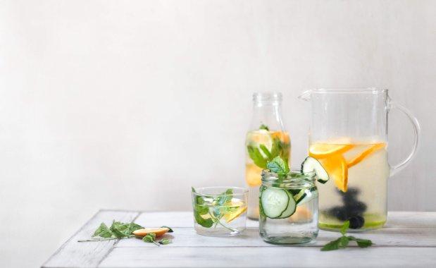 schaebens-gesund-infused-water-detox-wasser-trinken-obst-gemuese-kraeuter