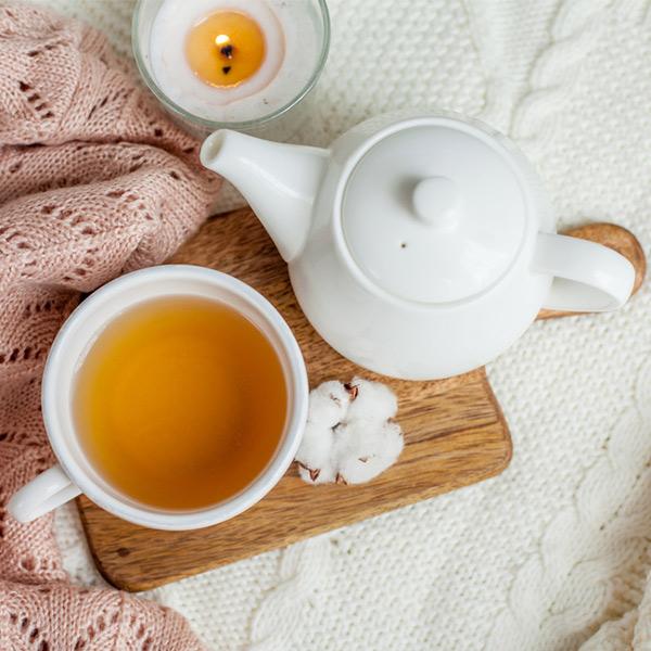tee-trinken-vor-dem-einschlafen